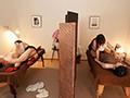 「妻のすぐ傍でいつもこっそり僕を責め続ける隣の奥さんの誘惑逆NTRエステ 舞原聖」のサンプル画像1