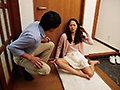 「隣の美人妻 泥酔し部屋を間違え「ただいま~!」 通野未帆」のサンプル画像12